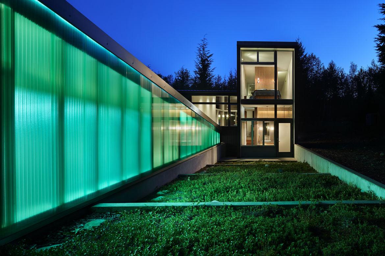 Milgard windows on modern Seattle cabin by David Coleman.
