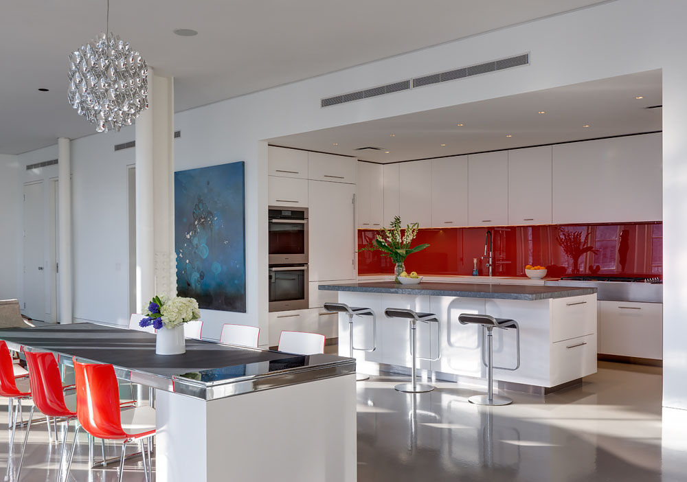 Dumbo, Brooklyn residence with a red backsplash