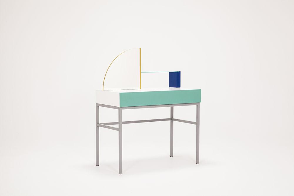 EQ3 Assembly desk by Zoe Mowat