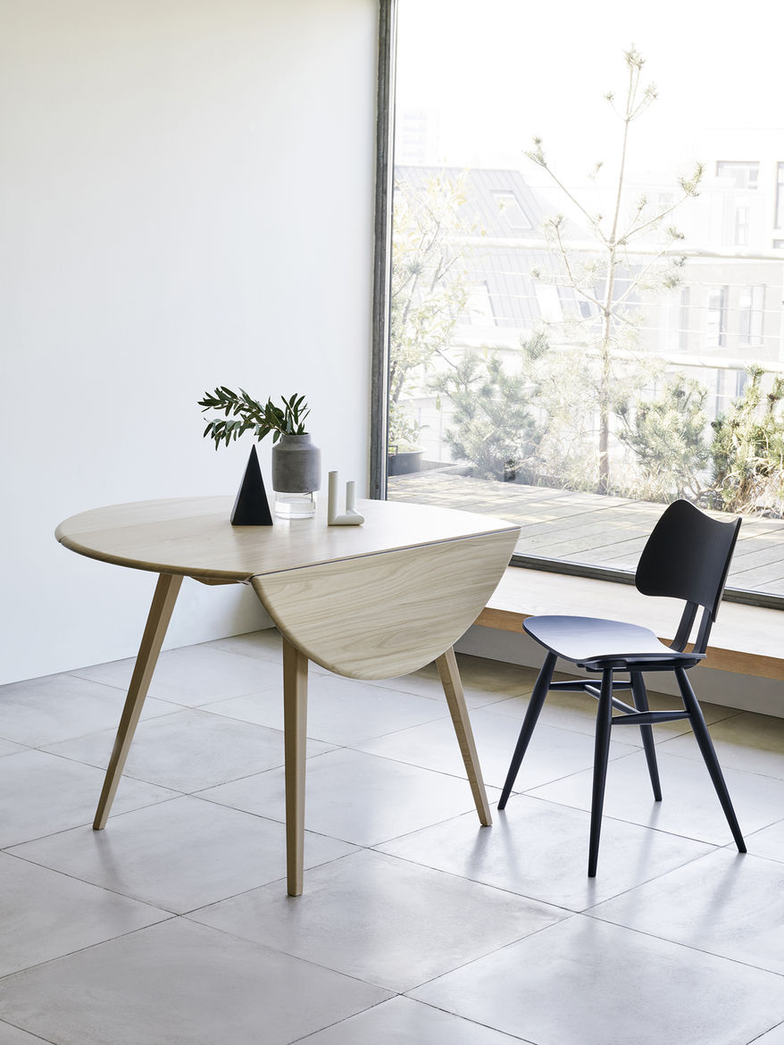 Drop-leaf table from Ercol