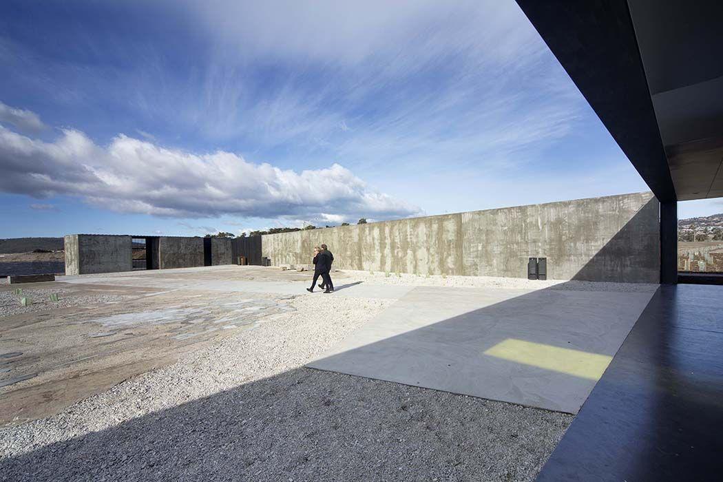 modern architecture design glenorchy sculpture park pavilion footpath