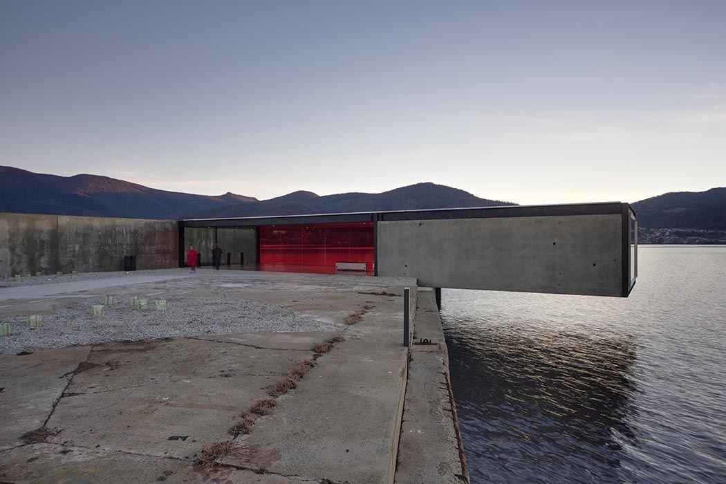 modern architecture design glenorchy sculpture park pavilion glass overhang bay