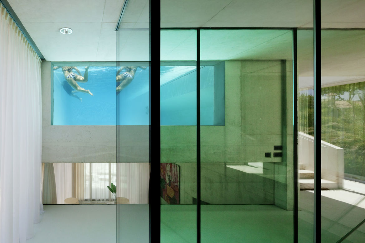 Indoor pool in vacation home by Wiel Arets in Los Monteros