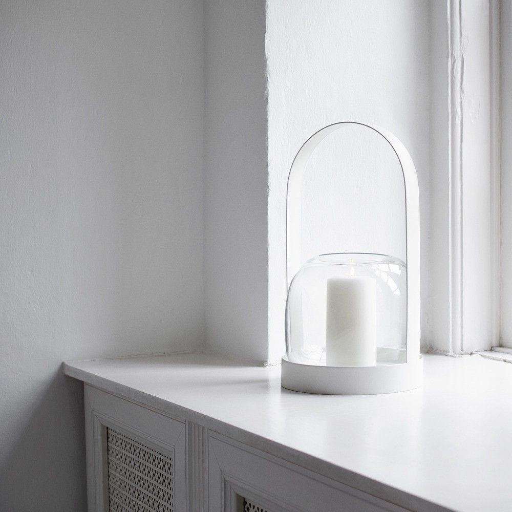 Minimalist candle holder with glass and powder-coated steel