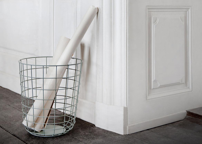 Powder-coated wire basket
