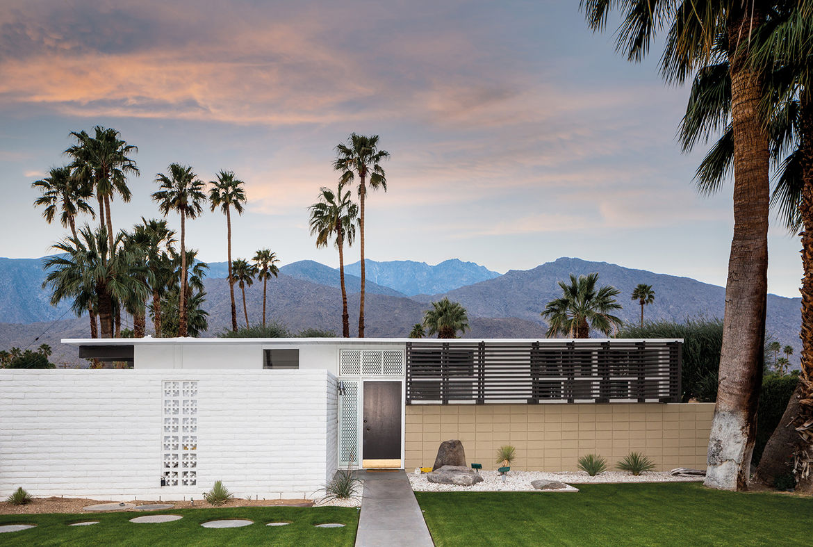 1956 tract house in Palm Springs designed by William Krisel