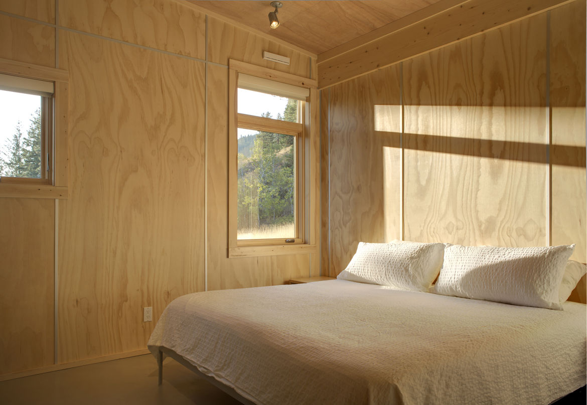 Pine Forest Cabin bedroom
