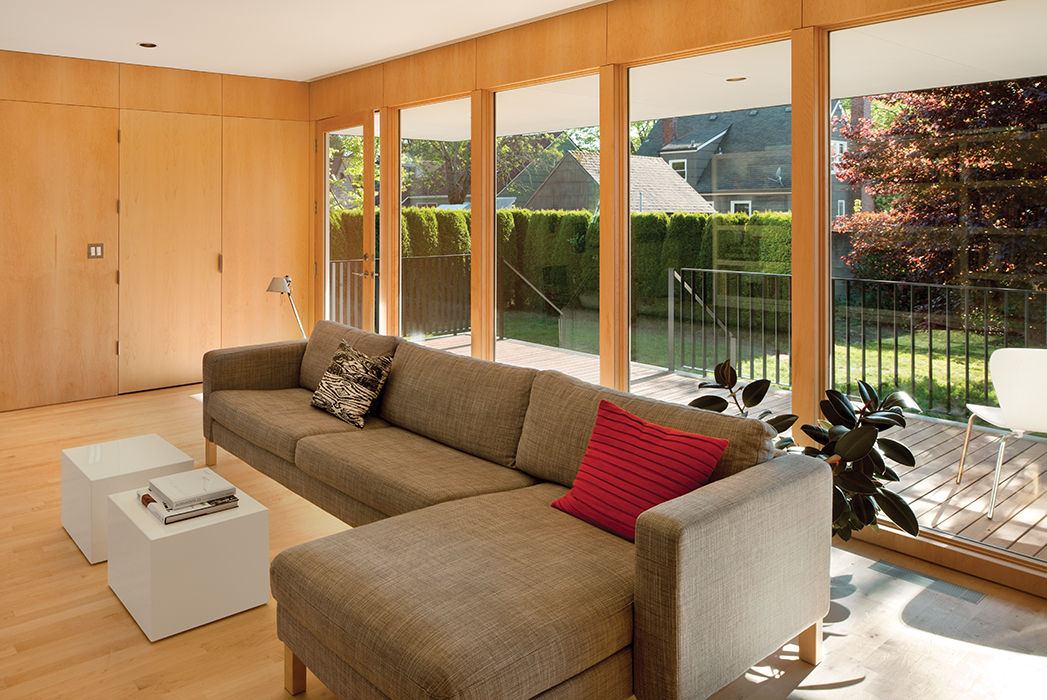 Affordable Portland home living room with sectional sofa