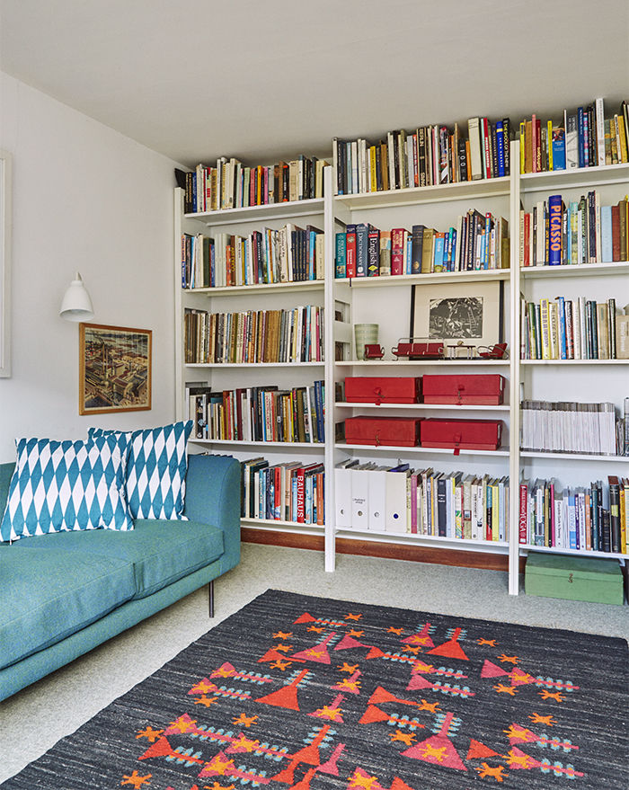 Modern study with a shelving system for storing books