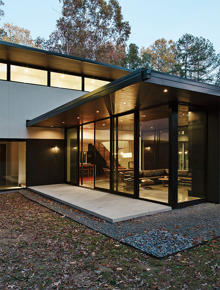 Modern home in North Carolina with Western Window Systems window walls
