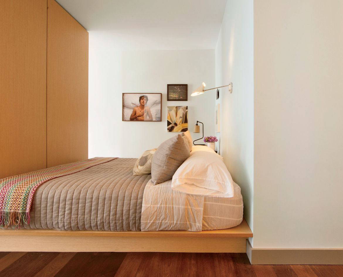 Small modern New York City studio with bed and under mattress storage