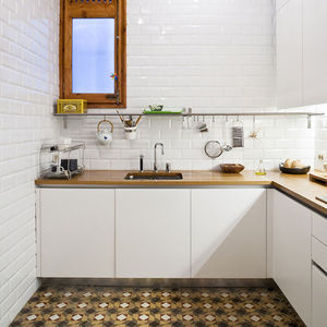 barcelona flat kitchen 0