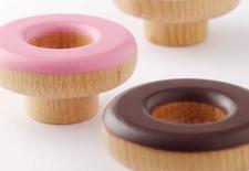Flavored doughnut hooks from Gretel Home