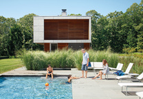 Prefab beach house retreat in Montauk, New York