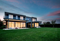 Modern home in Long Island with smart lighting systems